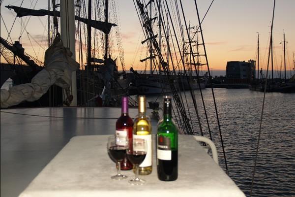 Wijnproeverij-zeilen