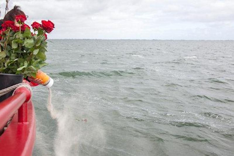 corona asverstrooiing water afscheid