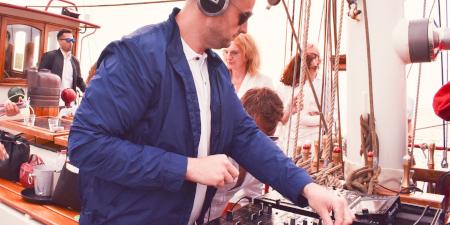 Onboard DJ